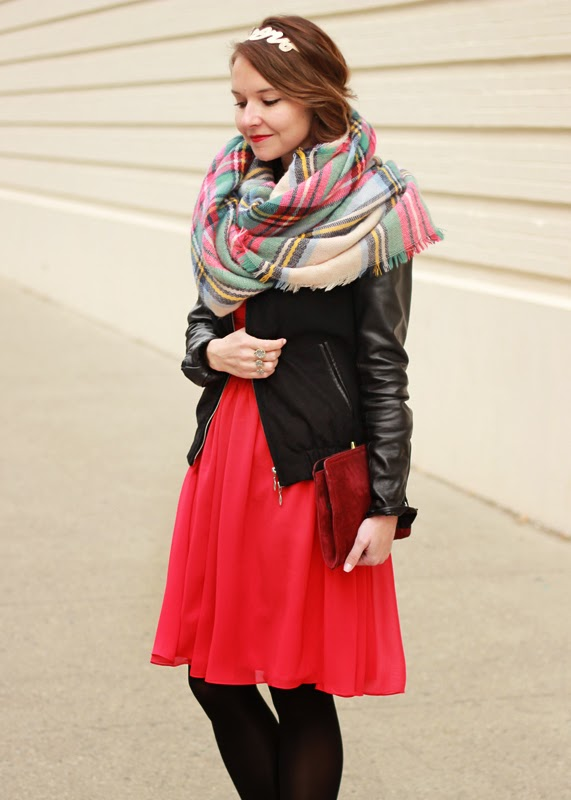Red_Bridesmaid_Dress_Valentines_Day_Blanket_Scarf