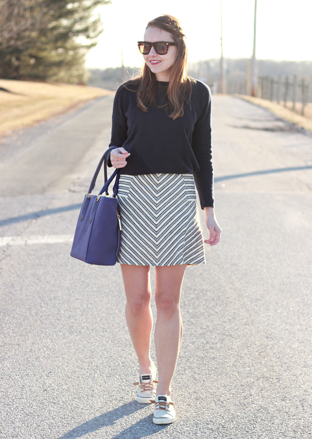 Loft_Striped_Skirt_Sperry_Canvas_Sneakers_3