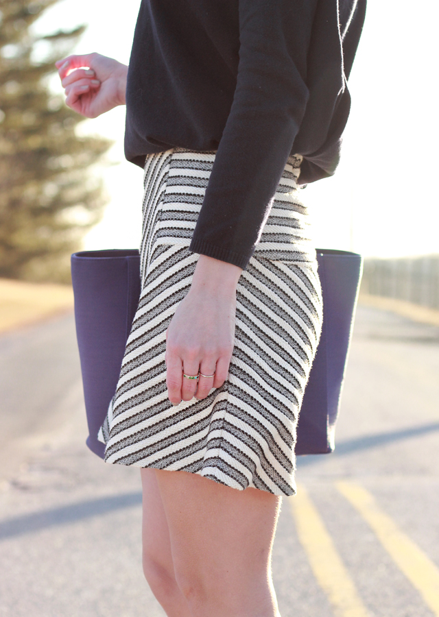 Loft_Striped_Skirt_Sperry_Canvas_Sneakers_5