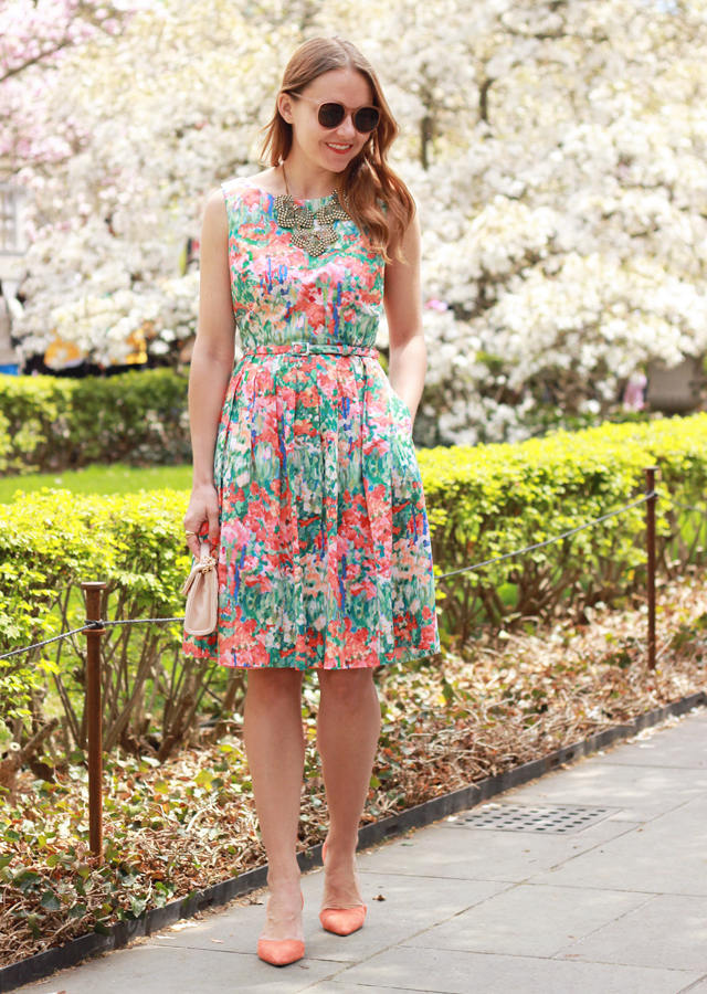 The Steele Maiden: Brooklyn Botanical Garden wearing Talbots floral dress