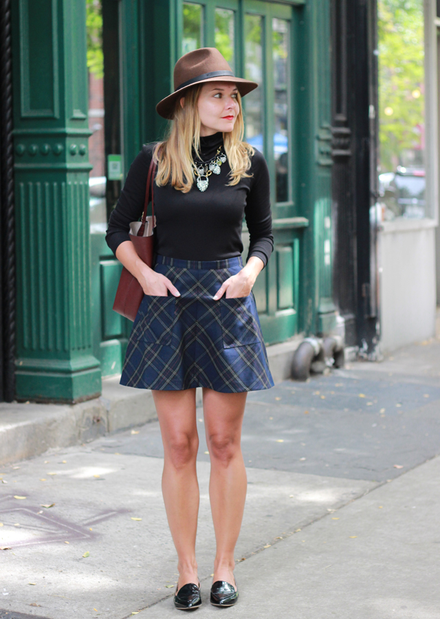 Fall Style in Urban Outfitter plaid mini skirt, turtleneck and wool hat