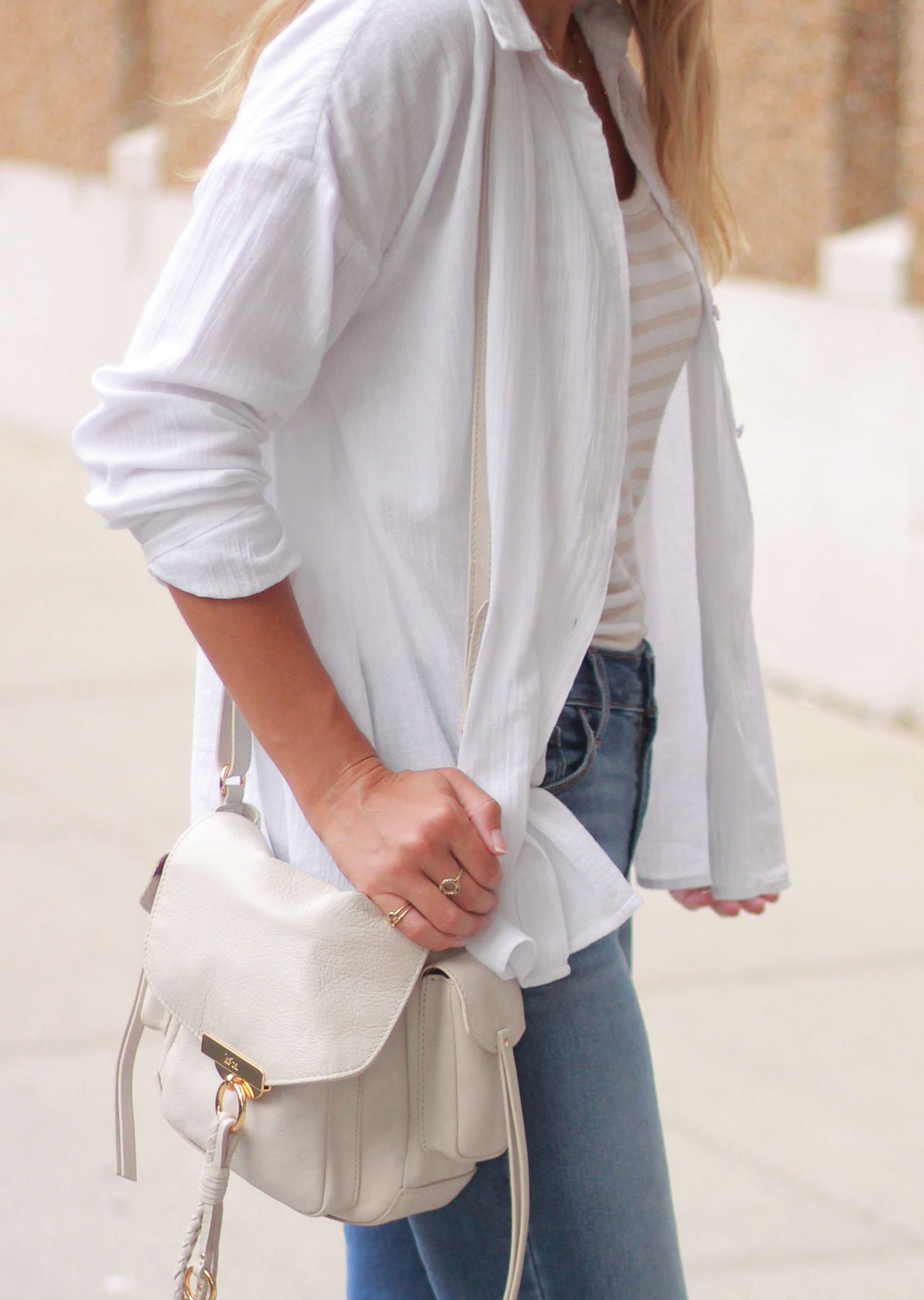 The Steele Maiden: Wardrobe Staples - Linen Shirt and High Waisted Jeans