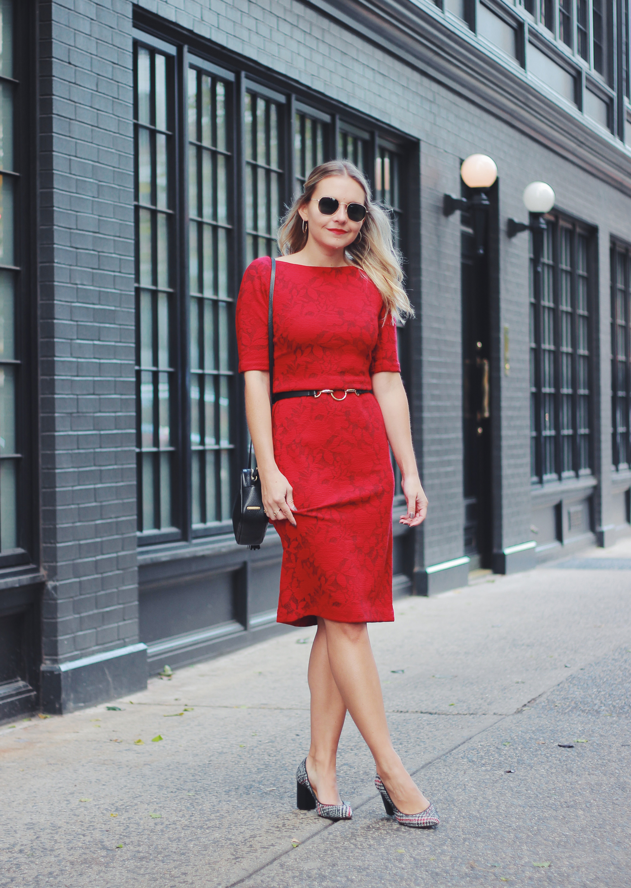 The Steele Maiden: Winter Workwear - Maggy London Red Floral Shift Dress