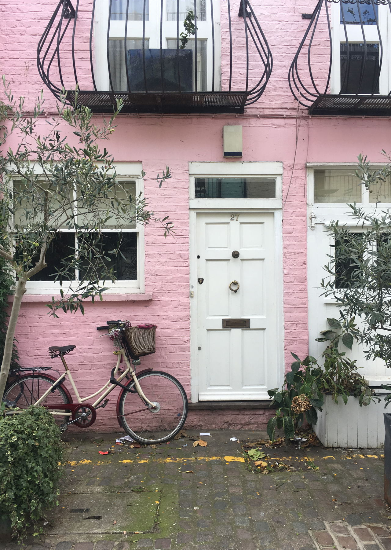 The Steele Maiden: Travel Guide to London